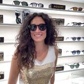 """""""L'unico modo per liberarsi di una tentazione è cedervi""""… Esattamente quello che è successo a Veronica, che non ha resistito ai Moscot Grunya, facendone il suo nuovo occhiali da sole vista-sole. Come darle torto 😎 . . . #otticaricci #occhiali #occhialidasole #sunglasses #moscot #moscotlemtosh #moscotmoments #moscotgrunya #zeiss #zeisslenses #otticasiena #picoftheday #nofilter #sunglasseslovers"""