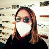 Veronica Maffei ha scelto Ottica Ricci per i suoi nuovi occhiali da sole Moscot Momza in colorazione Cinnamon:  luminosi, versatili, ideali per ogni abbinamento di colore. Passa in negozio a scoprire la collezione newyorkese realizzata a mano, in esclusiva a Siena da Ottica Ricci. . . . . #otticaricci #occhiali #occhialidasole #occhialidavista #sunglasses #moscot #moscotlemtosh #moscotmomnza #moscotmoments #celebritiesotticaricci