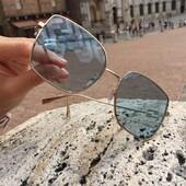 """Si scrive """"Fendi"""", si legge """"classe"""". Passa a scoprire l'intera collezione, in esclusiva a Siena da Ottica Ricci. . . . #otticaricci #occhiali #occhialidasole #sunglasses #siena #tuscany #luxuryeyewear #fendi #fendisunglasses #thelios #eleganza #eleganzafemminile"""