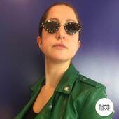 Un look grintoso, giovane ed elegante? Si può #valentinoeyewear #kuboraum #celinesunglasses #sunglasses #luxuryeyewear #occhiali #otticaricci #slowshop #slowshopping #negoziostoricodieccellenza