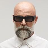 Gli occhiali Kuboraum sono espressione di un design avanguardistico degli occhiali. Leggi il nostro blog per saperne di più su questo brand esclusivo (👆 Link in bio) #kuboraum #occhialidavista #occhialidasole #otticaricci #sunglasses #eyewear #luxuryeyewear #shoponline