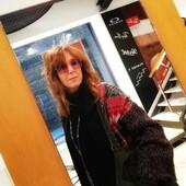 La #celebritiesotticaricci di oggi è Roberta Manganelli, che indossa uno splendido Silvian Heach con lenti rosa, ideali anche nelle giornate poco luminose. Un modello che si adatta ad ogni look aggiungendo una nota colorata e luminosa. Complimenti per la scelta 🔝 #otticaricci #occhiali #occhialidasole #sunglasses #eyewear #occhialidavista #silvianheacheyewear #armocromia #occhialidonna #occhialimetallo #occhialimetallofashion