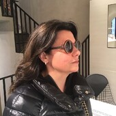 La #celebritiesotticaricci di oggi è Eleonora Bagnoli, che indossa uno splendido Chanel di nuova collezione. Puoi trovare gli occhiali vista e sole Chanel in esclusiva a Siena da Ottica Ricci. . . . #otticaricci #occhiali #occhialidasole #sunglasses #optical #luxuryeyewear #chanel #chaneleyewear #chanelsunglasses #womanstyle @eleonora_bagnoli_75