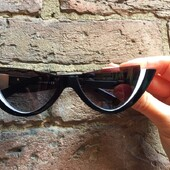 """""""L'eleganza è l'equilibrio tra proporzioni, emozione e sorpresa"""". Valentino Scopri il modello Valentino 4095, nei nostri negozi di Siena o sullo shopping online . . . . #otticaricci #occhiali #occhialidasole #sunglasses #valentino #valentinosunglasses #eleganza #elaganzafemminile #luxuryeyewear #frasicelebri #siena #sienatuscany #shopping"""