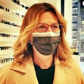 """Monica Tanganelli ha scelto Ottica Ricci per i suoi nuovi occhiali Lindberg con Lenti Zeiss Progressive Superb Smarlife. Personale qualificato, lenti di ultima generazione, montatura di altissima qualità: tre elementi imprescindibili che fanno dei suoi occhiali un prodotto """"sartoriale"""" elegante e confortevole. #otticaricci #occhiali #occhialidasole #occhialidavista #occhialiprogressivi #occhialiprogressivisumisura #zeiss #zeisslenses #lindbergeyewear #celebritiesotticaricci"""