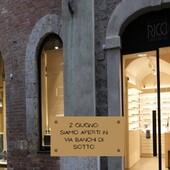Buona Festa della Repubblica. Ottica Ricci è aperta in via Banchi di Sotto, 32 Dalle 09.30 alle 13.00 e dalle 15.30 alle 19.30 (Gli altri punti vendita riapriranno domani) . . . . #otticaricci #occhiali #occhialidasole #sunglasses #eyewear #zeisslenses #optical #contactlenses