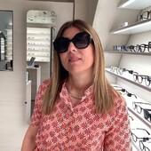 Alessandra Addis ha scelto Ottica Ricci per i suoi nuovi occhiali da sole Prada: un modello dalla linea geometrica e moderna, che racchiude tra le sue linee un tocco di classe e femminilità indiscutibili. Scelta 🔝 . . . #otticaricci #celeritiesotticaricci #occhiali #occhialidasole #prada #pradasunglasses #womanstyle #sienatuscany #otticasiena #eyewear #picoftheday