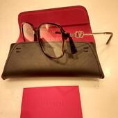 La nuova collezione Valentino eyewear ti aspetta da Ottica Ricci. Passa a provarla . . . #otticaricci #occhiali #valentino #eyewear #occhialidavista #valentino #eleganza #eleganzafemminile #lusso #modadonna #fashioneyewear #occhialiprogressivisumisura #occhialisartoriali