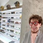 La storia di  Ottica Ricci è lunga 70anni ed è stata attraversata da grandi cambiamenti, dalla moda al campo ottico-oftalmico. Ma alcune cose non sono mai cambiate, come il sorriso con cui la Signora Francesca accoglie i nostri clienti, la professionalità e l'esperienza che riserva loro, l'eleganza nelle proposte. Fidati di Ottica Ricci, affidati all'esperienza. . . . #otticaricci #occhiali #occhialidavista #eyewear #zeislenses #occhialisartoriali #occhialiprogressivisumisura #modaeyewear #eleganzafemminile #negoziostoricodeccellenza #chaneleyewear #dioreyewear #celineeyewear #fendieyewear #moscot #moscotlemtosh  #lindberg